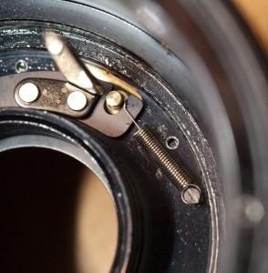M645 絞りリターンスプリング修理